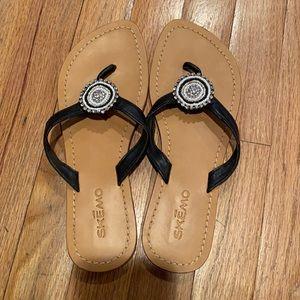 Skemo tan and black sandals